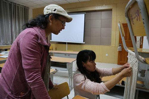 一八五团专项能力手工编织培训班助力职工拓宽增收渠道