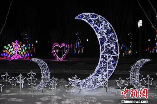 灯光节将持续到2月底。 华岩明 摄