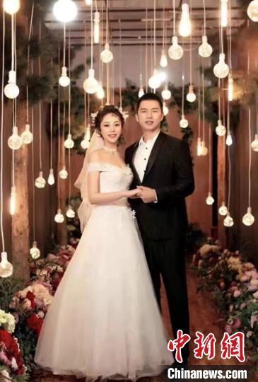 2019年11月,李磊和女友拍摄的婚纱照。 叶翠 摄