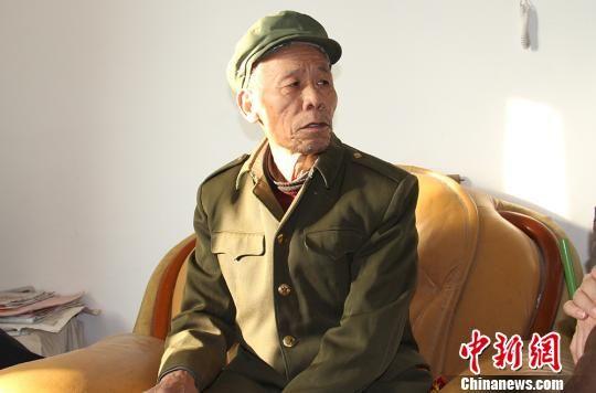 """新疆兵团老军垦""""忆苦思甜"""":过去的辛苦是值得的"""