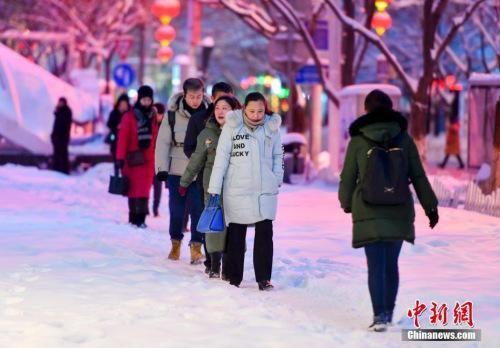 新疆北部局地暴雪 阿勒泰遭遇入冬后最强降雪