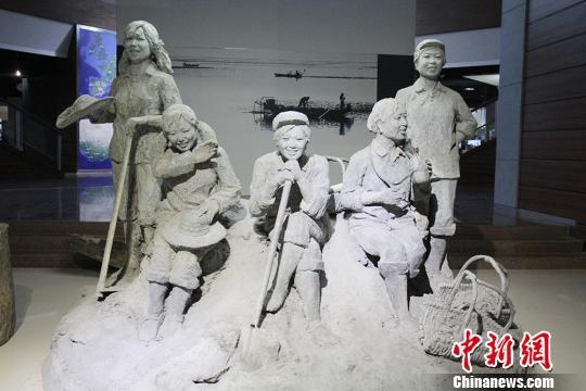 探访三五九旅屯垦纪念馆 感受新疆兵团变迁