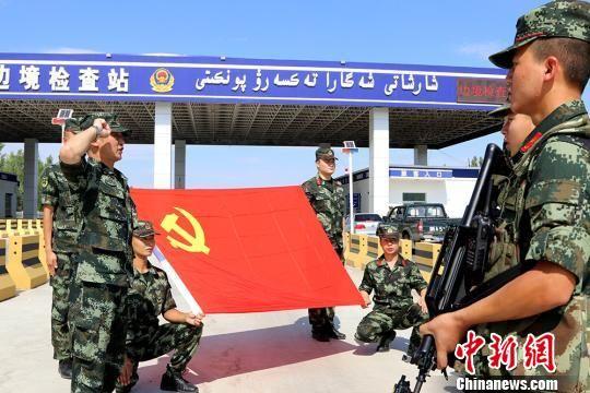 新疆边防官兵用独有形式迎接即将结束的军旅生涯