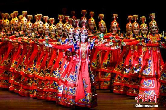 第五届中国新疆国际民族舞蹈节开幕