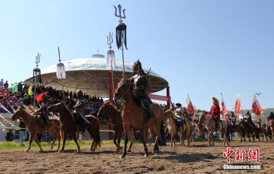 新疆和静第20届东归那达慕揭幕 2万余人享草原文化盛宴