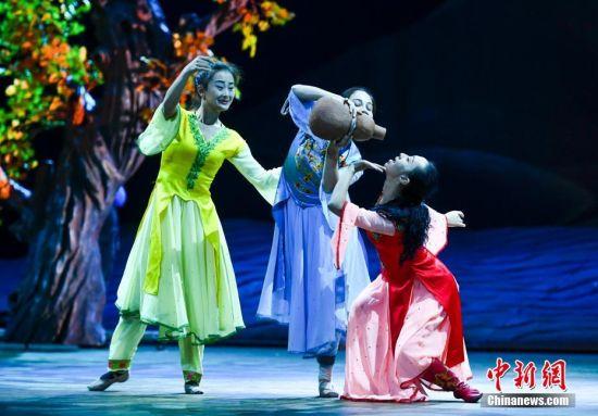新疆大型原创舞剧《艾德莱斯传奇》进入联排阶段