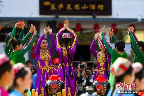 新疆阿瓦提举办慕萨莱思文化旅游节