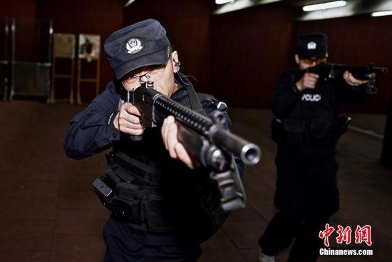 新疆铁警与地方公安机关联合训练
