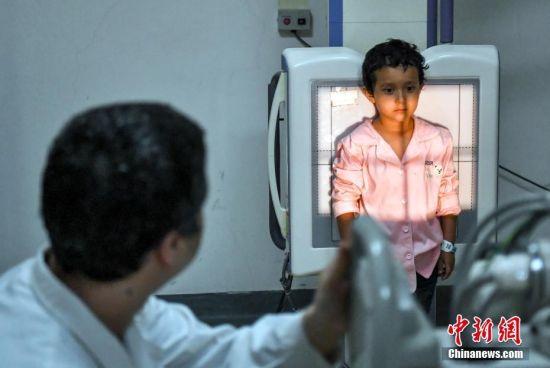 中国红十字基金会救助新疆和田贫困家庭先心病患儿