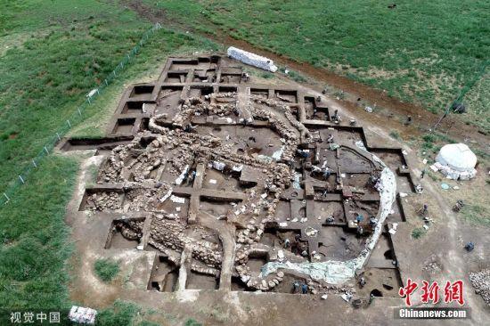 新疆哈密发现首个河湖沿岸青铜时代聚落遗址