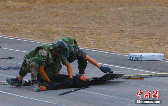 新疆兵团直属系统开展民兵处突应急演练