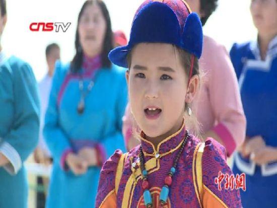 新疆和布克赛尔那达慕:赛马射箭民俗歌舞 精彩纷呈