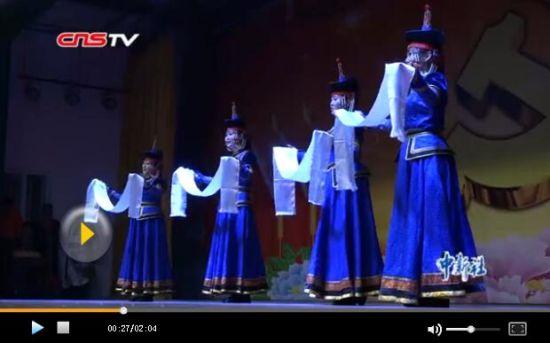 """""""讴歌新时代 民族团结一家亲""""文艺汇演在新疆阿克苏举办"""