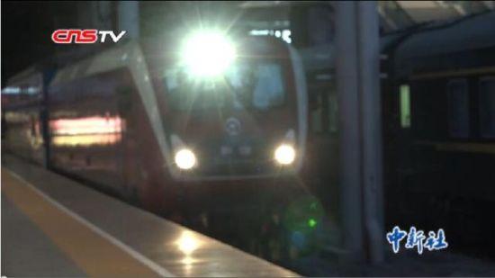新疆铁路年内首次调图 旅游列车图定化每日开行