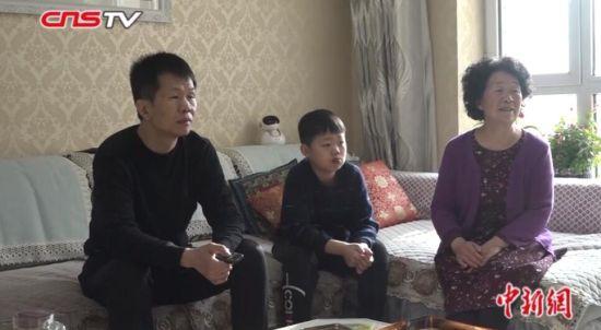 探访支援武汉新疆医疗队队员家属:不见未必不念