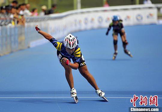 全国轮滑(场地)锦标赛在新疆油城克拉玛依开赛