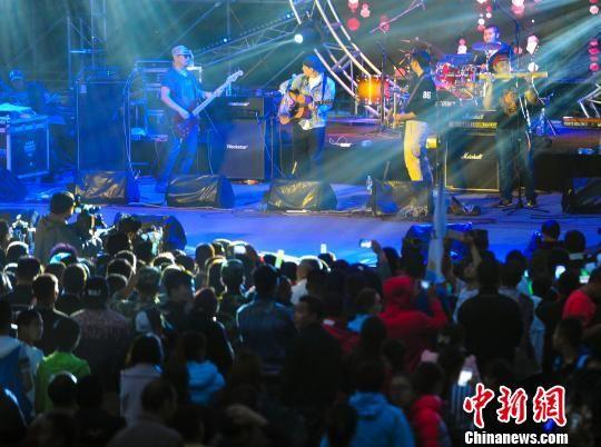 多国音乐人汇新疆喀纳斯参与丝绸之路音乐节