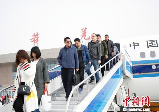 新疆若羌楼兰机场通航 结束无民用航空机场的历史