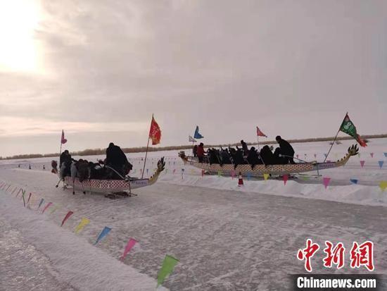 """1月18日,第四�谩爸�(zhong)��(guo)福(fu)""""城市文化交流(liu)活�郁吒�(fu)海�h第十四�枚�(dong)捕�(jie)拉�_帷幕。 陶(tao)�伞�z"""