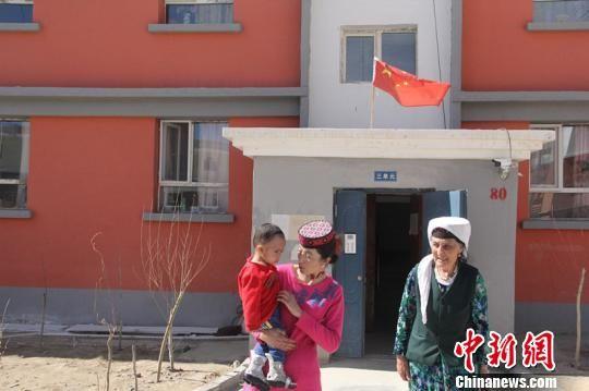 像迪力扎提这样受益深圳医疗援疆得到免费救治的孩子已有20多位。因病致贫、因病返贫得到有效解决。 朱景朝 摄